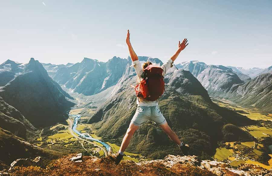 Die Effekte des Wanderns auf die Gesundheit des Körpers Verlaufen erschoepft Höhenangst Bergung Rettung