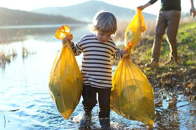 Wandern im Herbst Muell mitnehmen umweltfreundlich Wanderversicherung Notfaelle