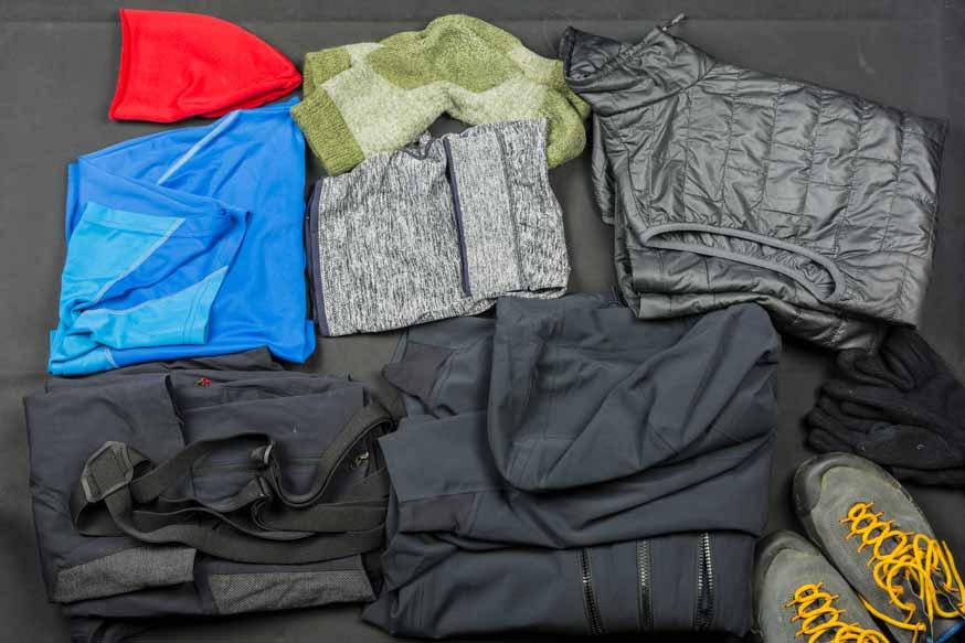 Teure Bergungskosten, Suchkosten und Rettungskosten sparen und Wanderungen und Wanderausrüstung wie Wanderhose Mütze und Wanderbekleidung versichern