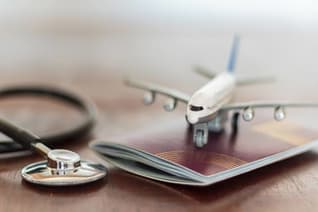Suchkosten, Bergungskosten, Krankenrücktransport und Behandlungskosten können nach einem Wanderunfall im Ausland auf Sie zukommen